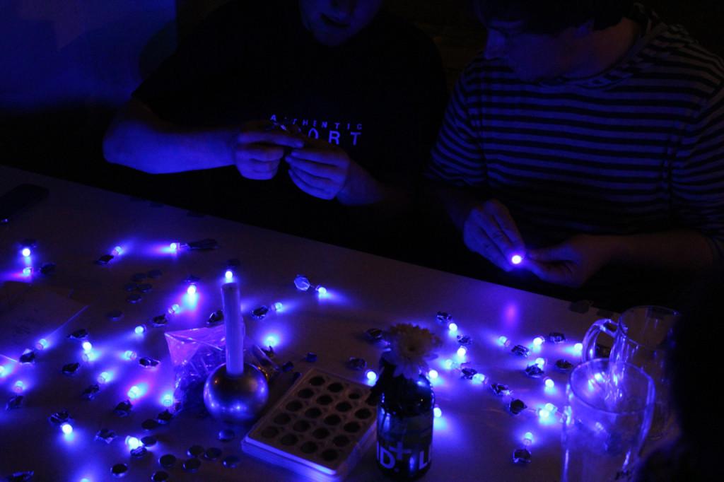 LED-Throwies_CyNetArt03