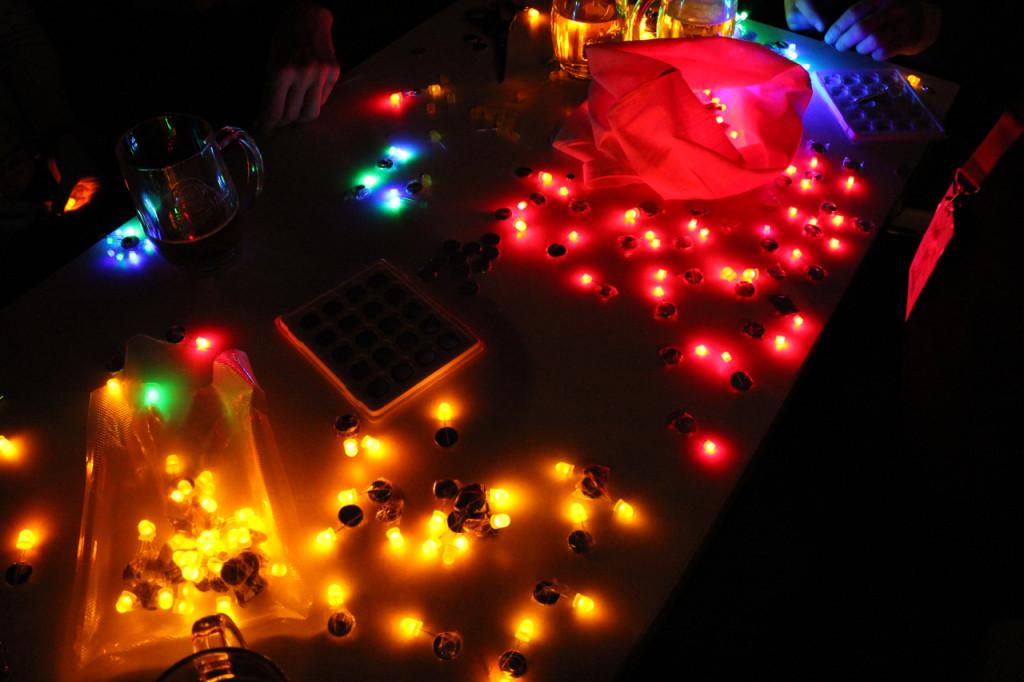 LED-Throwies_CyNetArt05